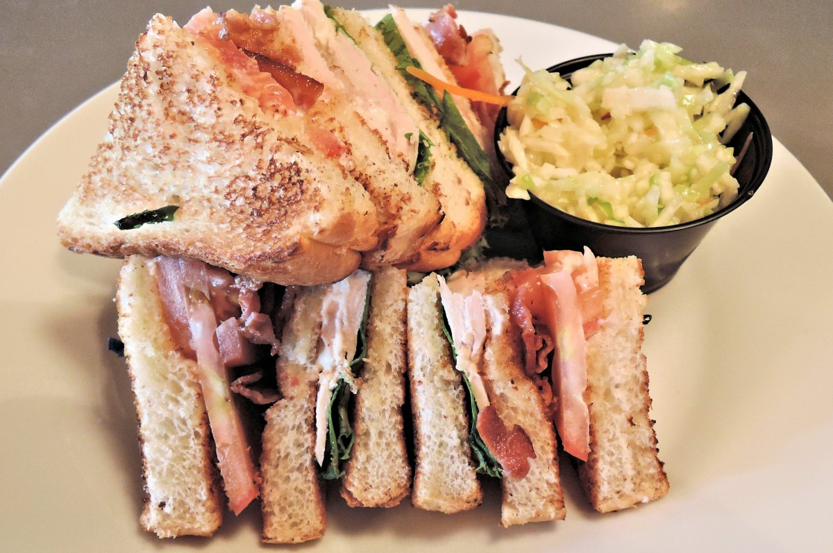 Serata club sandwich nel tuo locale!